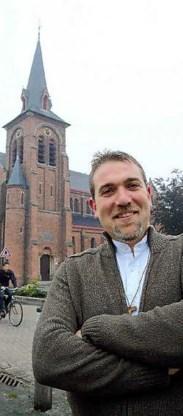De 38-jarige Wim Selderslaghs is de jongste pastoor van onze regio en toch staat hij vandaag al aan het hoofd van het grote dekenaat Kempen. Lily Leys<br>