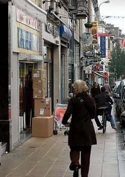 De Maria Christinastraat is een jungle van uithangborden.<br>Herman Ricour<br>