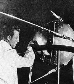 Spoetnik, voor zijn lancering. rr<br>