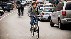 Het Tiense stadsbestuur is bereid fietsende scholieren te belonen. Het moet erover nog wel praten met de aangrenzende gemeenten.<br>Jef Collaer<br>