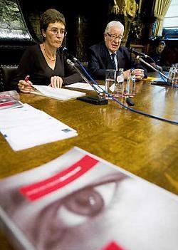 Armand Vandeplas (rechts): 'Mensen kunnen zelfs persoonlijk naar mij stappen en dan geef ik hun naam niet aan de andere leden van het integriteit-<br>bureau.'<br> Wim Kempenaers