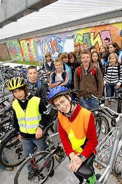 Het Onze-Lieve-Vrouwcollege campus Grotenberge beschikt over een nieuwe fietsenstalling. David Stockman<br>