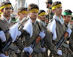 Milities van de Iraanse Revolutionaire Garde houden een parade in Teheran. ap