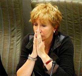 De ombudsman was bijzonder kritisch voor Fientje Moerman. Bart Dewaele