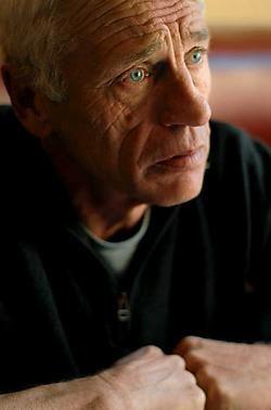 Johan Leysen: 'Telkens opnieuw beginnen is vermoeiend, maar het leuke is dat je telkens weer ontdekt wordt.' Katrijn Van Giel<br>