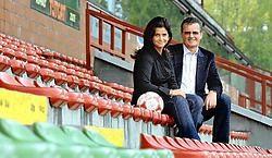 Heidi Selleslagh, commercieel manager van Zulte Waregem en Willy Naessens, voorzitter van de club.David Stockman<br>