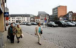 Voor veel Aalstenaars is de verwaarloosde Hopmarkt een steen des aanstoots. Emiel Vermeir