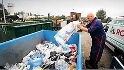 De containerparken namen hun voorzorgen, ook al is de staking maandag wellicht voorbij. Mine Dalemans<br>
