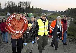 Al sinds 2003 protesteren Antoine Denert en zijn Wachters van de Polder elke dinsdag tegen de aanleg van de potpolder. In al die jaren liet Denert maar een keer verstek gaan. Paul De Malsche