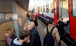 De treinreizigers voelen de problemen met lijn 60 al te goed tijdens de spitsuren in het station van Asse.<br>Yvan <br>De Saedeleer