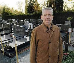 'We willen vervallen grafzerken ontruimen als de nabestaanden zich niet melden of de concessie niet wensen te vernieuwen', legt schepen François De Graef uit. Paul De Malsche