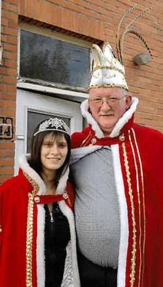 Vader Peter Vandooren en dochter Sabrina zijn prins Jules Cesar en Roosje Cleopatra van Brugge. Michel Vanneuville<br>