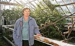 Lieve Gheysens, hier in een gesloten serre, is ongelukkig met het verval van de Plantentuin.Koen Merens<br>