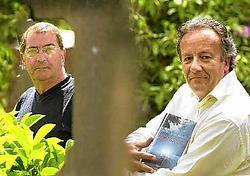 Roger Schoemans en Patrick De Bruyn vermoeden dat Beersel goed is in misdaadverhalen.<br>Yvan<br> De Saedeleer