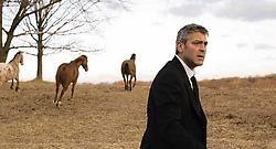 George Clooney moest er als Michael Clayton afgepeigerd uitzien. Geen probleem, hij wás ook afgepeigerd. Myles Aronowitz<br>