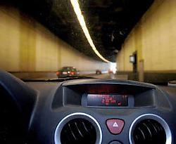 Naar de radio luisteren lukt vaak niet in de Brusselse tunnels.Herman Ricour<br>