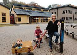 'Volgens mij zijn we de enige school in West-Vlaanderen die zo'n hoeveelheid zonnepanelen heeft', aldus directeur Patrick Deconinck.Michel Vanneuville