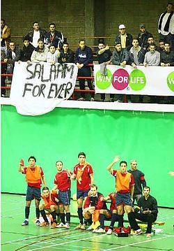 De supporters van Salaam en Atlas mochten niet bij elkaar zitten en <br>werden <br>gescheiden. <br>Inge <br>Van den Heuvel<br>