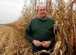 'We nemen geen risico: we halen de rest van de oogst snel binnen', zegt landbouwer Raf De Gussemé uit Lede.<br>Carol Verstraete<br>