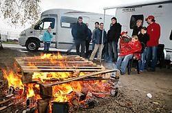 De werknemers van de Lommelse vestiging van Chateau Caravan willen de mobilhomes niet opgeven. Mine Dalemans<br>