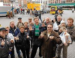 De marktgangers zijn verdeeld over de Brugse derby. <br>