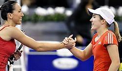 'Ik ben erg tevreden over mijn wedstrijd', zei Justine Henin (r.). 'Ik greep Jankovic meteen bij de keel en daar had ze niet van terug.'belga<br>
