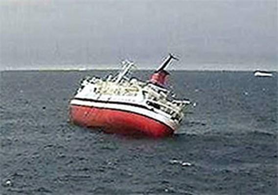 Cruiseschip Explorer gezonken