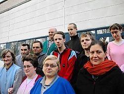 'Sinds wij in mei verhuisden naar een vroegere textielfabriek zijn we aangewezen op het openbaar vervoer', zeggen de medewerkers van Vreugdevol.<br>Guy Van Den Bossche<br>