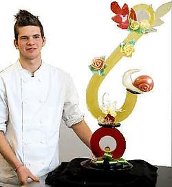 Kurt Van Vlasselaer uit Rillaar won met dit pronkstuk de Tiense Sugar Artprijs.Jef Collaer<br>