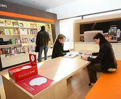 Langs de A12 in Schelle komt de eerste baanwinkel van Standaard Boekhandel. Eddy Van Ranst