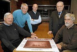 Vlnr: Aurelien Thijs, Jacques Pannier, Hugo Neve, broeder Robert Dhaene en Eric Philips. Paul De Malsche<br>