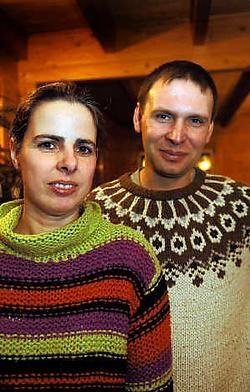 Veerle Van Raemdonck en Joost Berckx: 'Elke euro die wordt geschonken aan de vzw Zinba-Kids, gaat integraal naar het weeshuis.' Paul De Malsche