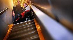 Mieke Vermoesen en uitbater Ronny Theuniers ijveren voor een toilet dat toegankelijk is voor gehandicapten. Inge Van den Heuvel