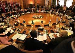 De Arabische Liga boog zich in de Egyptische hoofdstad Caïro over de grondwettelijke crisis in Libanon.reuters<br>