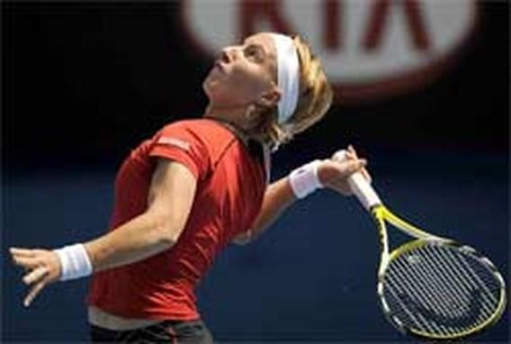 Venus en Kuznetsova zwetend naar derde ronde