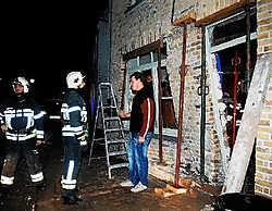 De brandweer moest de gevel stutten. Het huis is zo goed als onbewoonbaar. Isabelle Vanhassel
