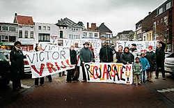 De actievoerders trokken met spandoeken naar Brugge. Inge Van den Heuvel