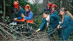 De samenwerking landbouwers-leerlingen heeft als extra voordeel dat er tegelijk noodzakelijke beheerswerken worden uitgevoerd. Gert Devocht<br>