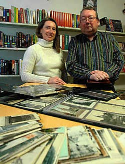 Rudi Bunnens en Sandra Sablon vonden een gat in de markt en openden een verkoopspunt van oude postkaarten, heemkunde en boeken.<br> Yvan De Saedeleer
