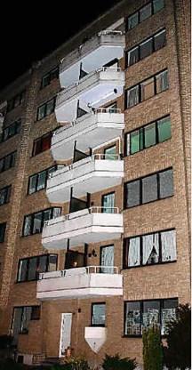 Op de bovenste verdieping van dit flatgebouw werd het lijk van de Japanse vrouw aangetroffen.Koen Fasseur<br>