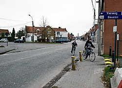 Het drukke en gevaarlijke kruispunt van de Ardooisesteenweg en Batavialaan wordt heraangelegd. Stefaan Beel