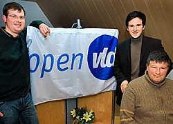 OpenVLD'ers Bart Bostoen, Francesco Vanderjeugd en Geert Moerkerke (vlnr.) legden een bom onder het kartel Samen dat dertien jaar standhield. Stefaan Beel<br>