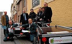 De energiesnoeiers controleren de huizen, maken een rapport op met een aantal tips en geven de bewoners een gratis spaarpakket. Michel Vanneuville