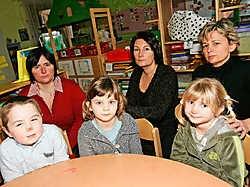 Solange Dangis, Helga Smets, Caroline Cortois en kinderen Max, Loïse en Britt van 't Abeeltje. Koen Merens<br>
