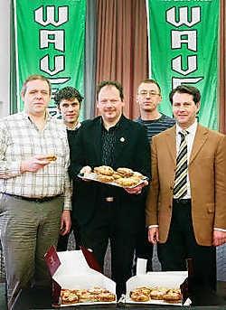 Stef Haesen, Jan Van Waeyenberghe, Marc Van den Eynde, Eddy Van Leuven en Eric Janssens stellen de Waverwoudjes voor. Inge Van den Heuvel<br>