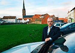 Schepen Dirk Van Walleghem bereikte een compromis over het terrein in de Meensestraat. Stefaan Beel<br>