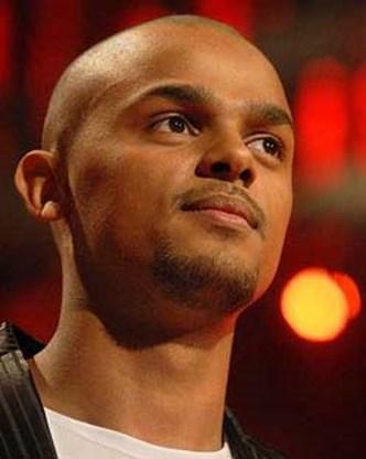 Nelson naar halve finale Eurosong
