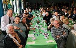 Gisteren werden de senioren vergast op de nieuwe show van Paul Bruna en een uitgebreide uitleg over de drie dagopvangcentra voor bejaarden in de badstad. Peter Maenhoudt