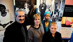Schepen Lieven Lybeer, Cathérine Dupont, Sophie Drèze en Nadine De Smedt zijn de drijvende krachten achter de Kortrijkse Vrouwendag.Patrick Holderbeke