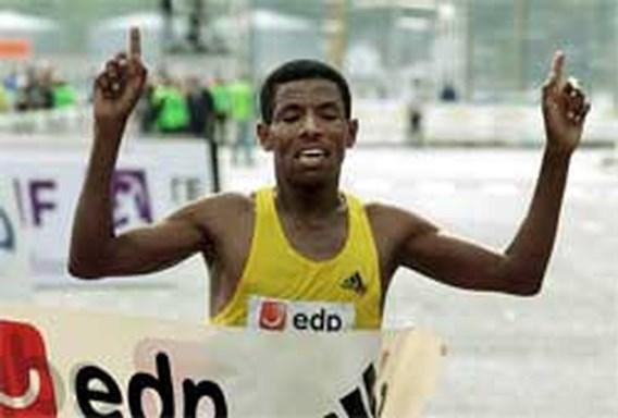 Gebrselassie wint marathon Berlijn in wereldrecord